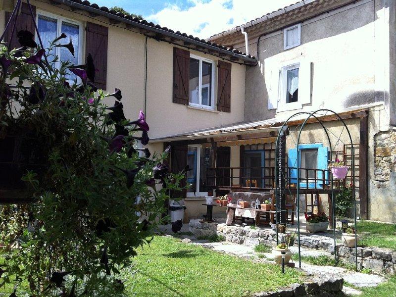 house campaign Pyrenean Mountains, Péreille Ariege, alquiler vacacional en Belesta