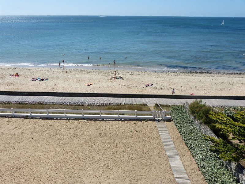 Grand Appartement Plein Sud Face mer accès direct plage  Pornichet, vacation rental in Pornichet