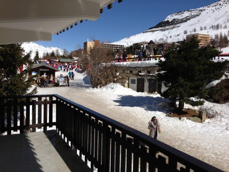 F2, 1iere ligne sur les pistes, 100m ESF, équipement complet, WIFI gratuit, alquiler vacacional en Les Deux-Alpes