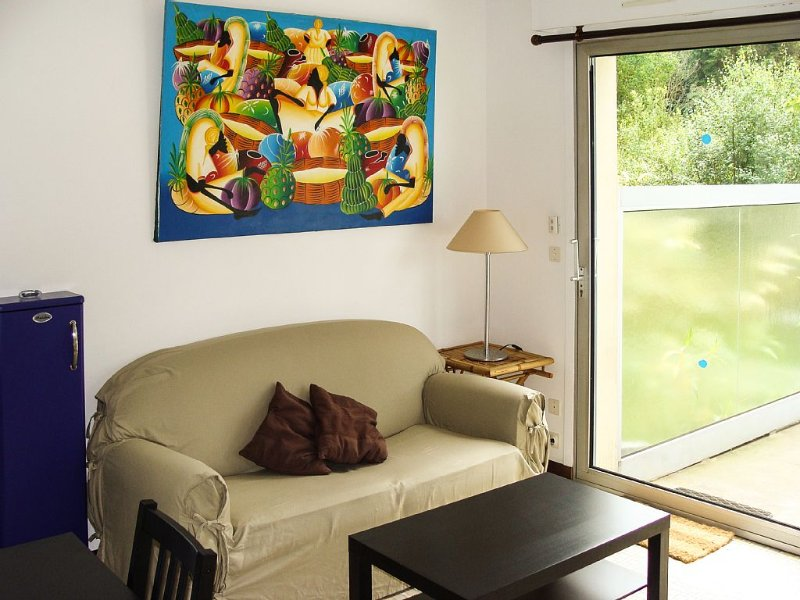 Appartement en duplex avec terrasse, proche de la mer, 2 chambres, 4 personnes, vacation rental in Dinard