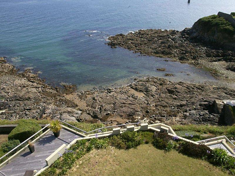 Superbe vue sur mer à180°, dominant la plage et à proximité des commerces, location de vacances à Saint-Quay-Portrieux