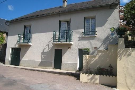 Gîte indépendant dans un petit village du Parc Régional du Morvan, holiday rental in Lucenay-l'Eveque