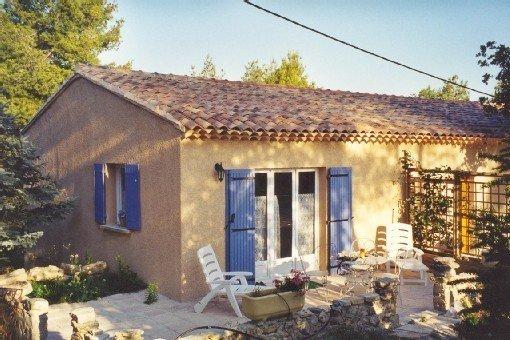 Appartement 'les écureuils' à Bonnieux au cœur du luberon à la campagne, holiday rental in Buoux