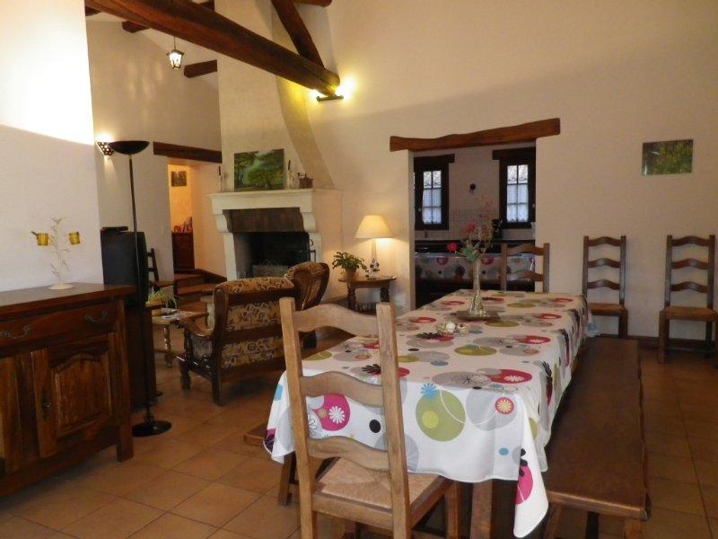 Gite d 'Andrèa  pour 10 pers MARAIS POITEVIN, MER, Puy du Fou, holiday rental in Oulmes