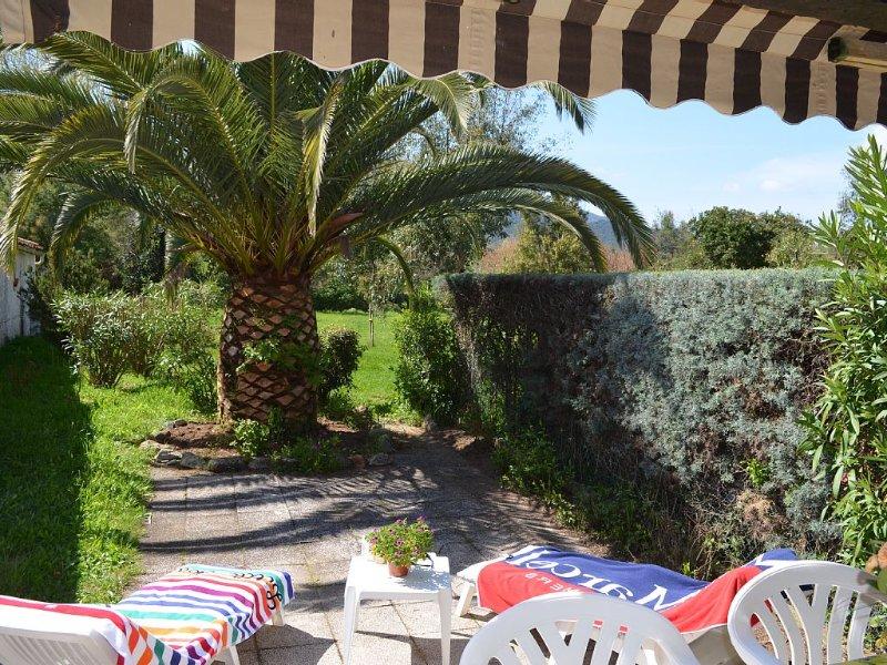 LOCATION T2 idealement situe, ACCES DIRECT A LA PLAGE LISCIA, location de vacances à Calcatoggio