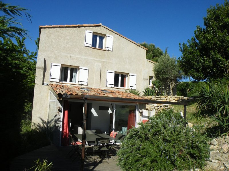 Maison 4 personnes dans les collines de Pagnol , proche mer, location de vacances à Gémenos