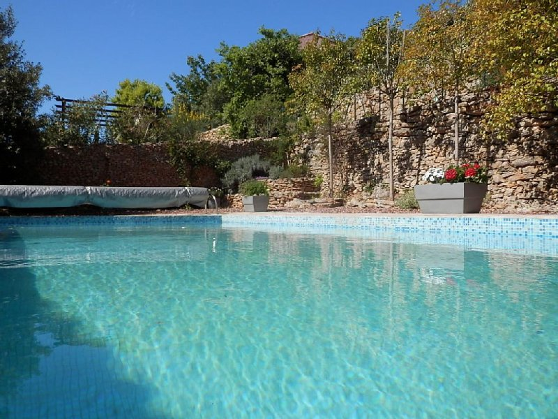 Grande Villa Calme avec Piscine - Proche de la mer, alquiler vacacional en Cournonterral