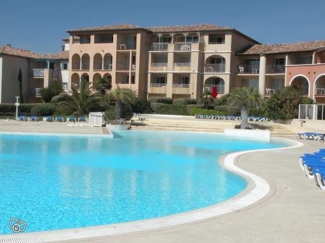 Location appartement F2  Six Fours les Plages (Var). Vue sur mer, holiday rental in Six-Fours-les-Plages