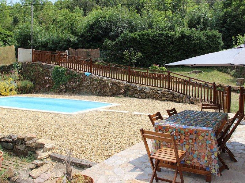 Grande maison avec piscine privative, holiday rental in Saint-Vincent-d'Olargues
