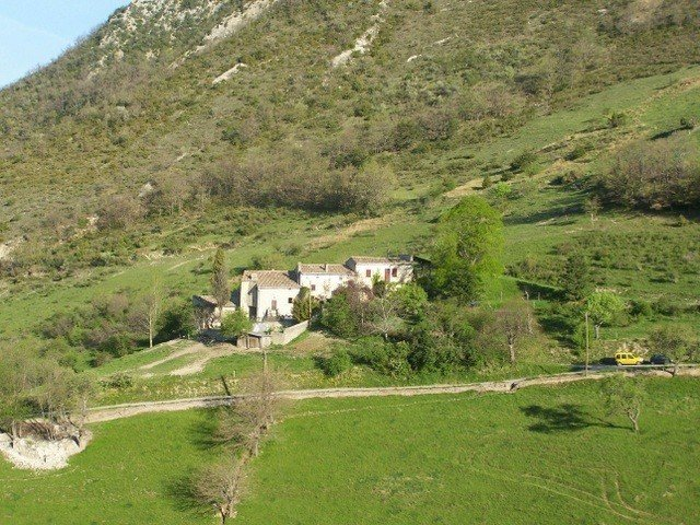 stone house between Vercors and Diois, vacation rental in Ombleze