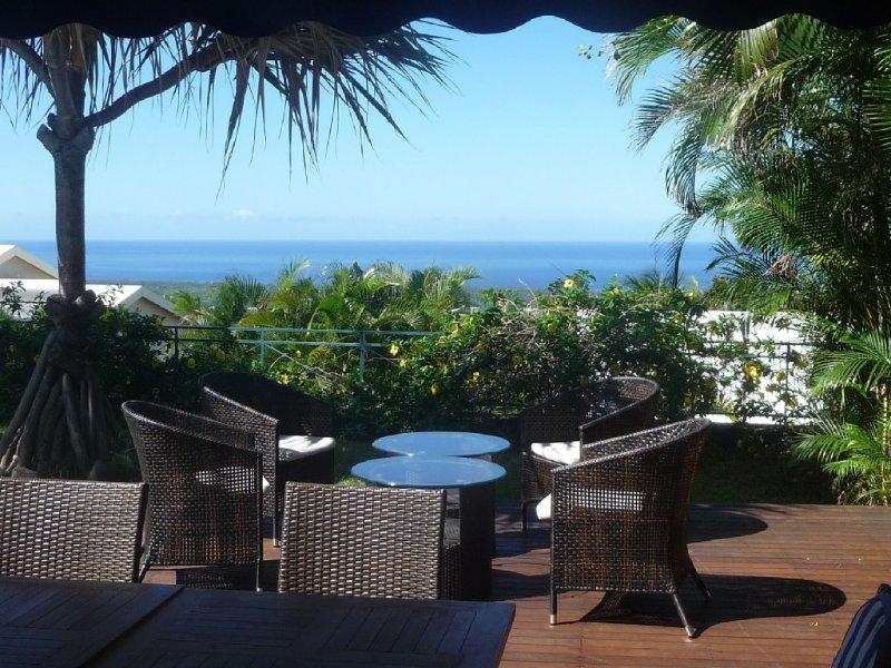 Terrasse extérieure, végétation et océan