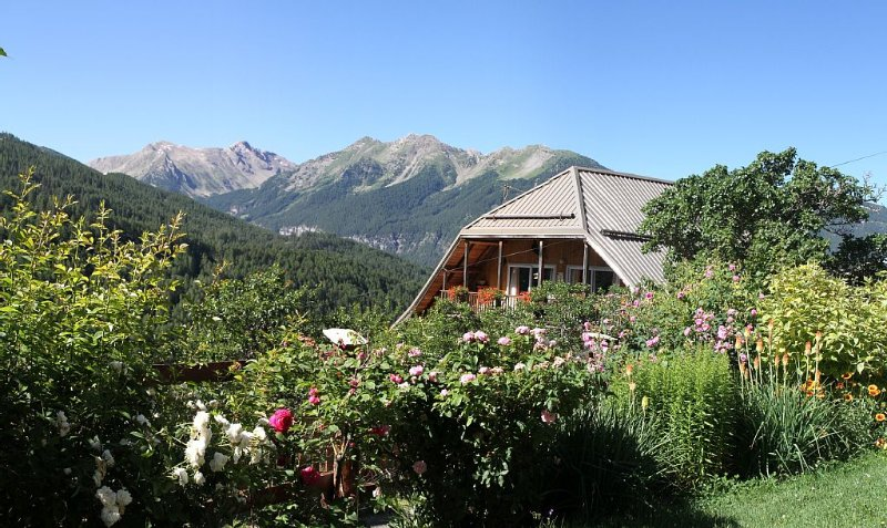 Comfort Chalet 10/11 pers in Orres, Classified 3 EPIS, Ferienwohnung in Les Orres