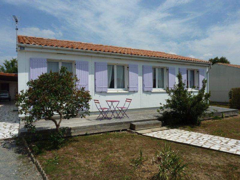 Décor moderne et soigné, confort,  calme, dans village de pêcheurs, casa vacanza a Nieul sur Mer