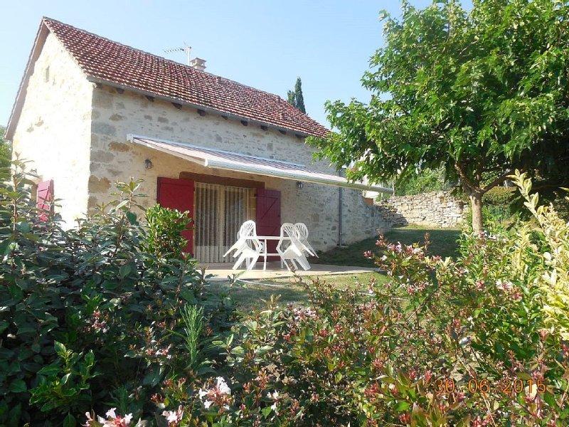 Gîte à louer pour 4/6 personnes proche de Rocamadour, Padirac, St Cirq Lapopie,., holiday rental in Le Bourg