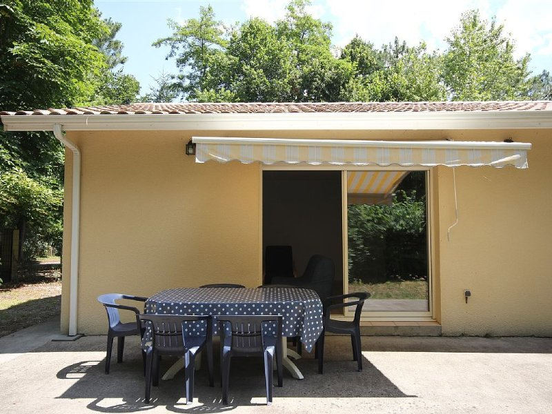 Maison  au pied du bassin d'arcachon, location de vacances à Claouey