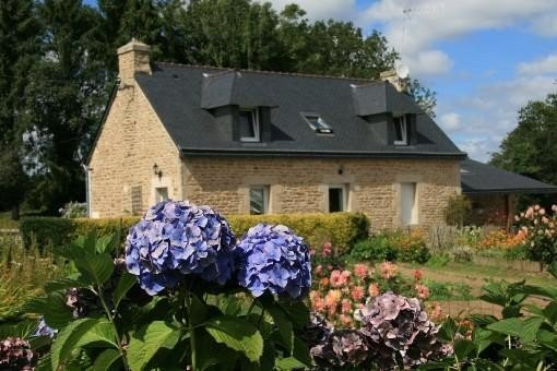 Gite de Coat-Kerlin - Bretagne Sud - Priziac (classé 2*), holiday rental in Le Croisty