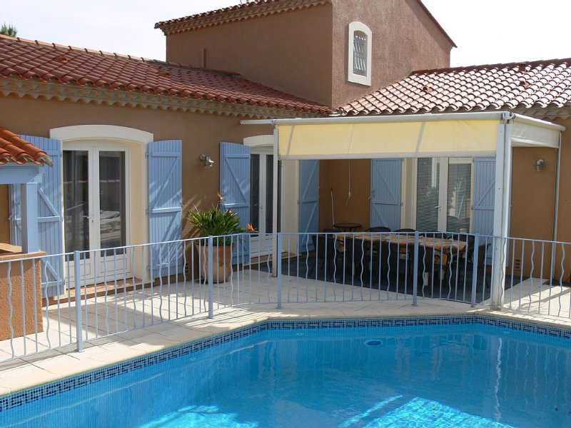 VILLA ,4 *,10 couchages PISCINE SECURISEE CHAUFFEE ,200m DE PLAGE ET COMMERCES, casa vacanza a Saint-Cyprien