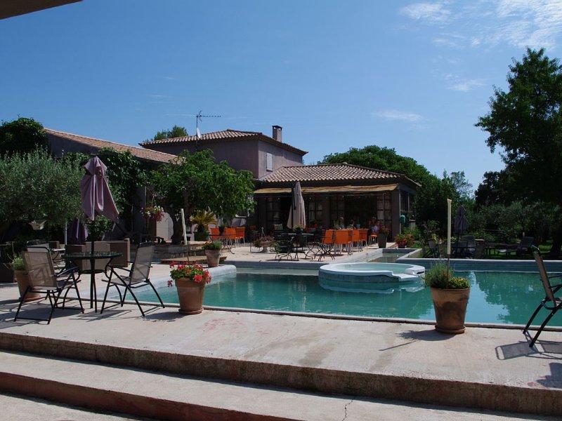 Une villa luxueuse dans un environnement calme, sans vis-à-vis., location de vacances à Saint-Gervasy