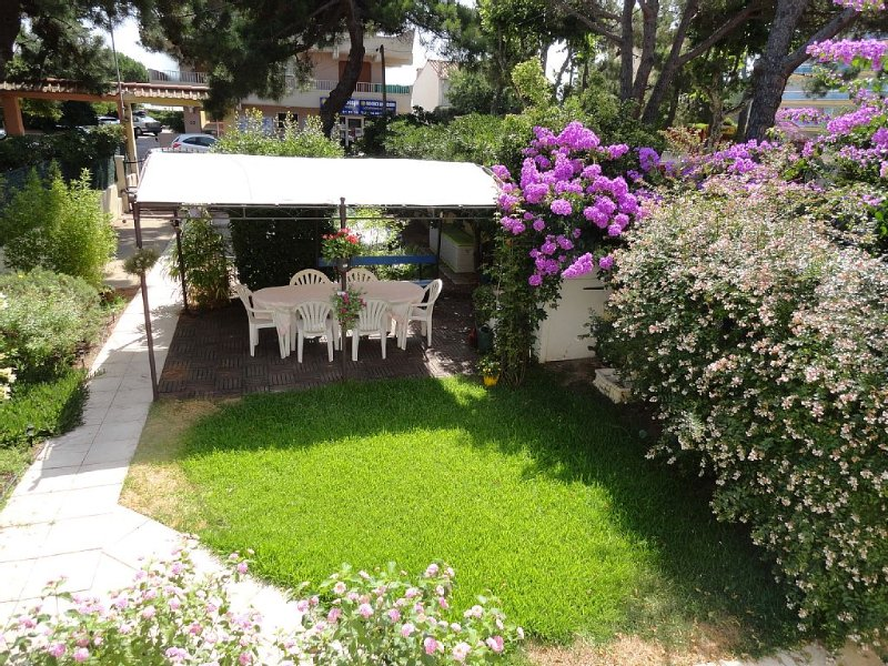 Villa for 6 people or more on request, Ferienwohnung in Argeles-sur-Mer