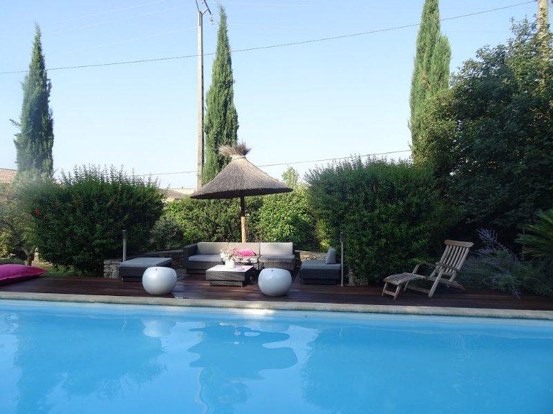 MAS D'ANGE EN PROVENCE  au pied du luberon, belle maison calme et pittoresque,, holiday rental in Cavaillon