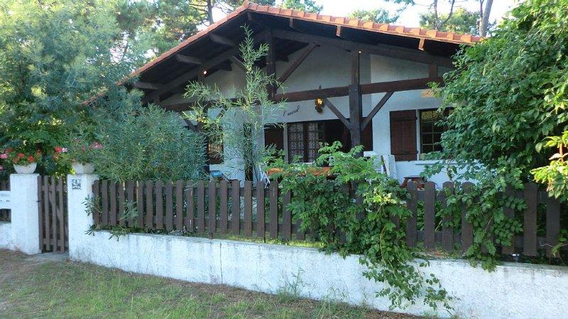 Appart non fumeur en rez-de-jardin dans villa bordure forêt  - animaux acceptés, vacation rental in Cap-Ferret