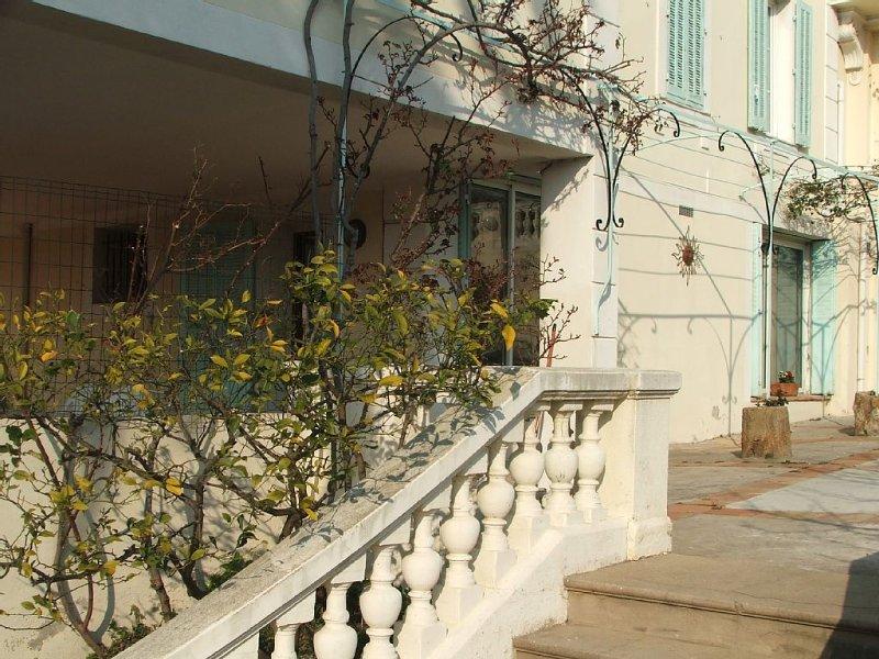 Location rez de chaussée d'une bastide Quartier Aguillon Toulon près des plages, aluguéis de temporada em Toulon