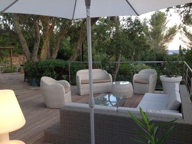 200m de la plage, belle villa avec terrasses et jardin arboré, location de vacances à La Croix Valmer