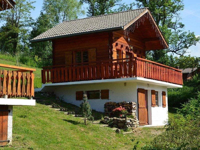 Chalet individuel 4-6 pers. Vallée Verte Haute-Savoie  jardin privatif 600 m2, casa vacanza a Onnion
