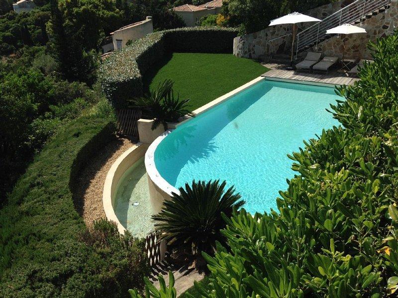 LOCATION DE VACANCES PROCHE DE ST TROPEZ, holiday rental in Cavalaire-Sur-Mer