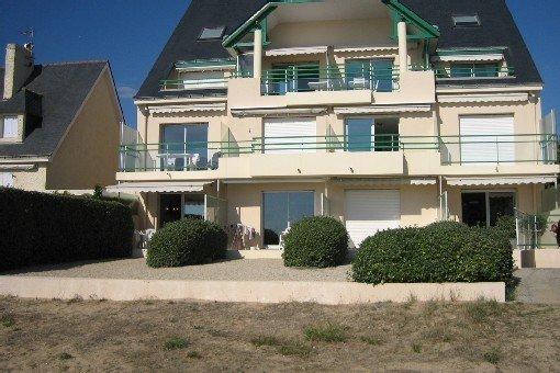 Pornichet, appartement  2 pièces  :  vivre face à l'Océan, holiday rental in Loire-Atlantique