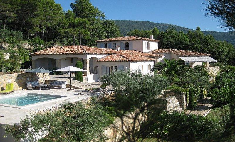 Villa d'exception avec vue panoramique, holiday rental in Seillans