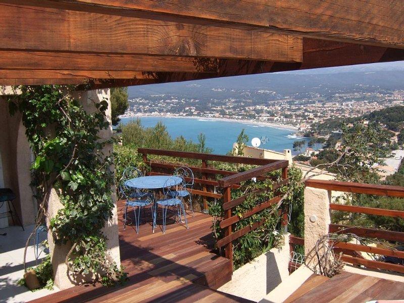 appartement indépendant  en rez de jardin, holiday rental in Saint-Cyr-sur-Mer