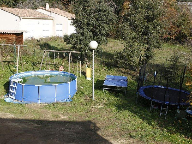 MAISON SEPAREE EN DEUX SUR 2000 M2 TERRAIN CALME PISCINE, casa vacanza a Pila-Canale