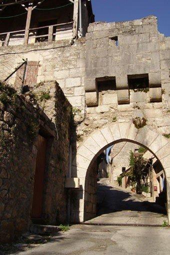 Porte Basse du Coustalou