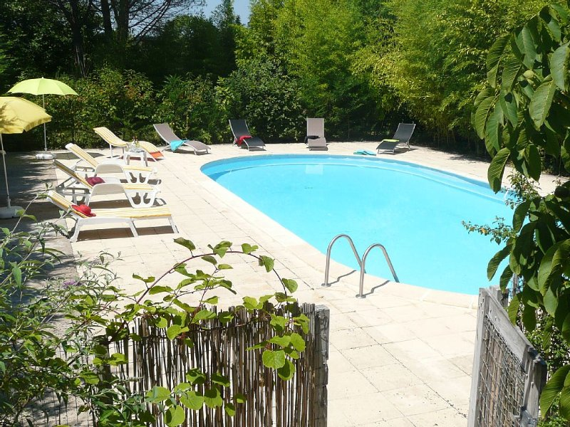 Country house with large pool in the heart of Black Périgord 2-8 people, holiday rental in Saint-Laurent-la-Vallee