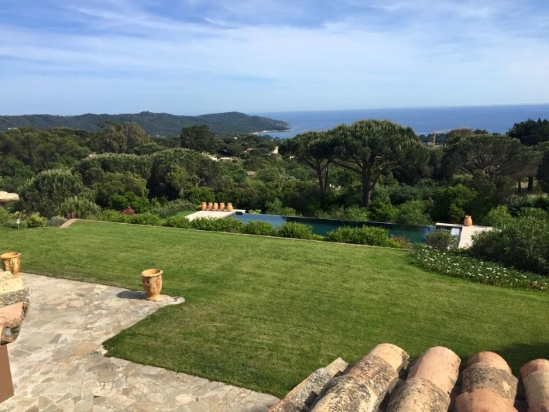 Maison vue exceptionnelle sur les hauteurs, location de vacances à La Croix Valmer