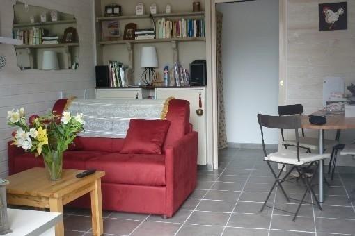 Appartement  RDC avec terrasse à Courseulles/Mer proche mer, décoration soignée., vacation rental in Fontaine-Henry