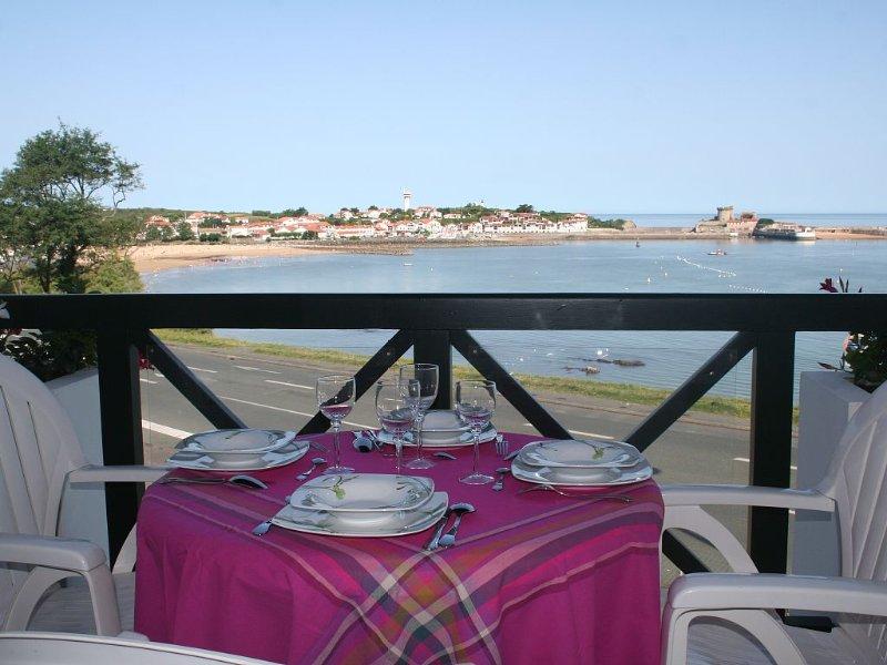 Appartement vue sur mer, face au fort de Socoa et la baie de St jean de luz 3 *, location de vacances à Ciboure