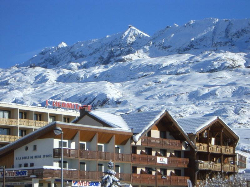 Alpe d'Huez - very city center ('Les Jeux'), T3 65m2 8pers, holiday rental in L'Alpe-d'Huez