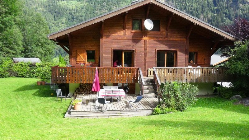 Charming family cottage a few minutes from Chamonix and the slopes, vacation rental in Chamonix