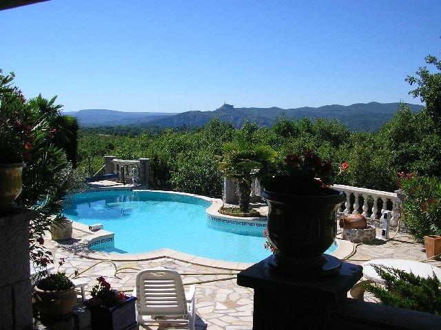 Residence Bellevue avec vue imprenable sur tout le sud ardeche, vacation rental in Labeaume