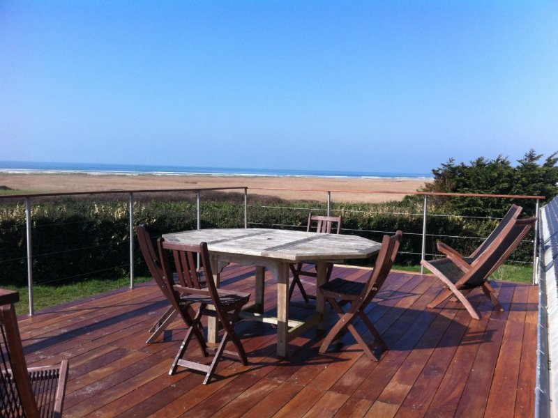 .Baie d'audierne. pleine vue mer.200 m de la plage., holiday rental in Finistere