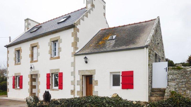 Une maison entièrement rénovée  pour 6 personnes face à la pointe du Raz, vacation rental in Cleden-Cap-Sizun