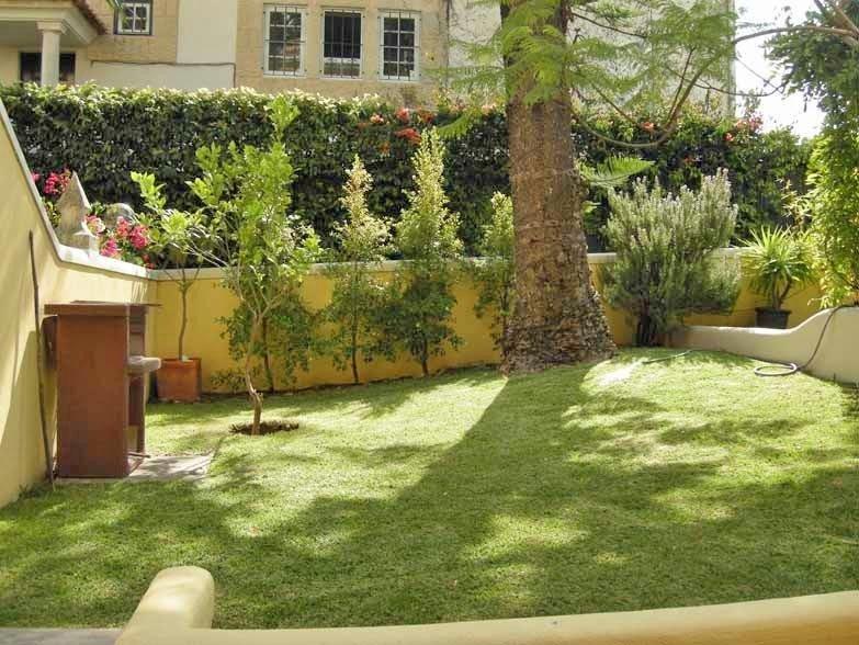 Appartement 2P tout équipé avec terrasse sur jardin à la MER près de 6 GOLFS, aluguéis de temporada em Estoril