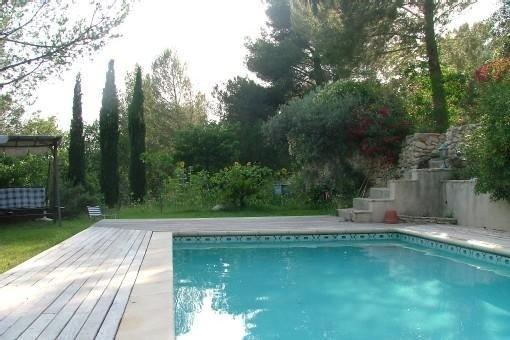 Villa méditerranéenne dans un cadre verdoyant (climatisée), vacation rental in Cuges-les-Pins