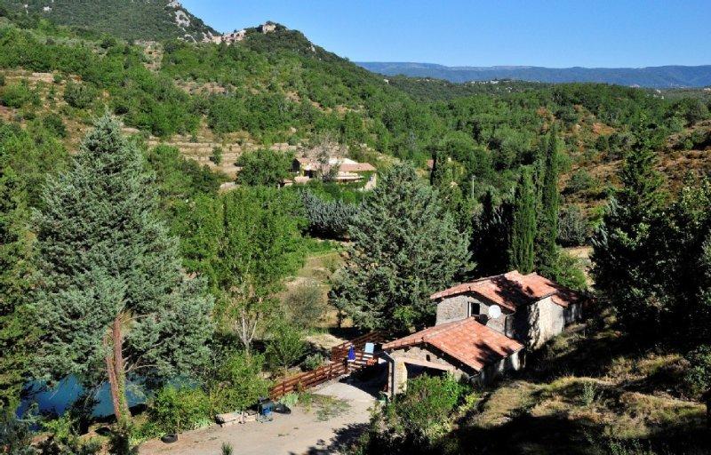 Cottage of Trouliere, quiet, Banne, 9kms from Les, aluguéis de temporada em Berrias et Castejau