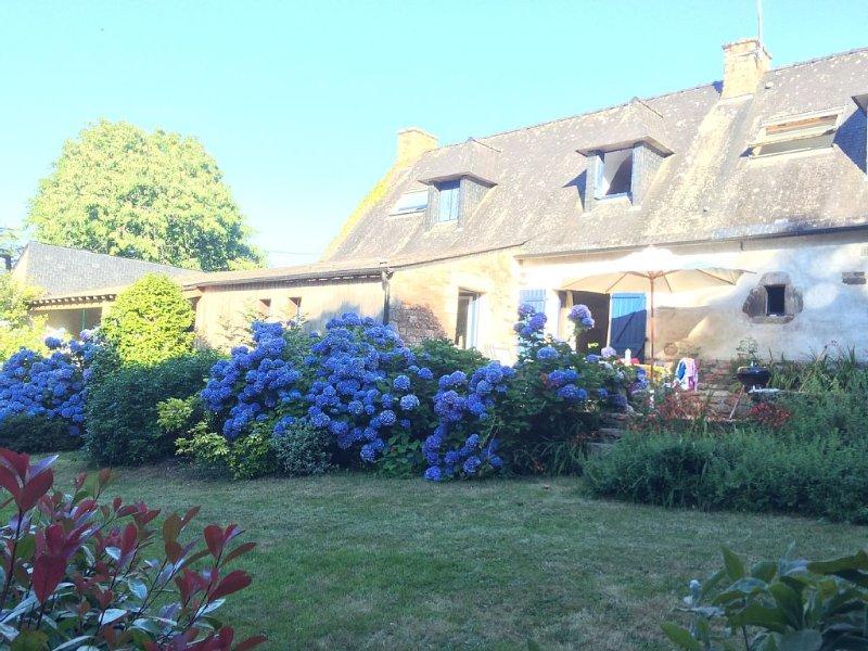 Le charme d'une longère, au coeur du Golfe du Morbihan, location de vacances à Baden