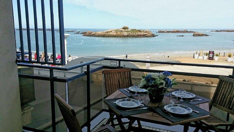 Nouveau: Bel appartement 4 pers sur la plage, Superbe vue sur mer, casa vacanza a Tregastel