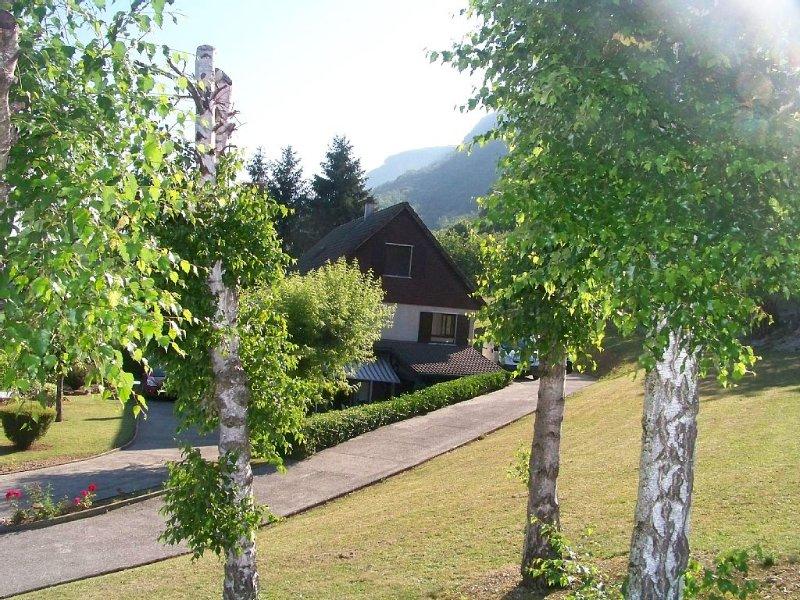 Gîte du Pizat situé dans un joli village au pied du Vercors – semesterbostad i Saint-Thomas-en-Royans