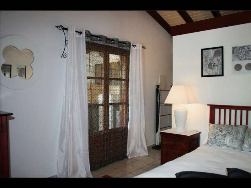 2 STUDIOS IN ORIENT BAY LOVER STUDIO No. 2, vacation rental in Saint-Martin